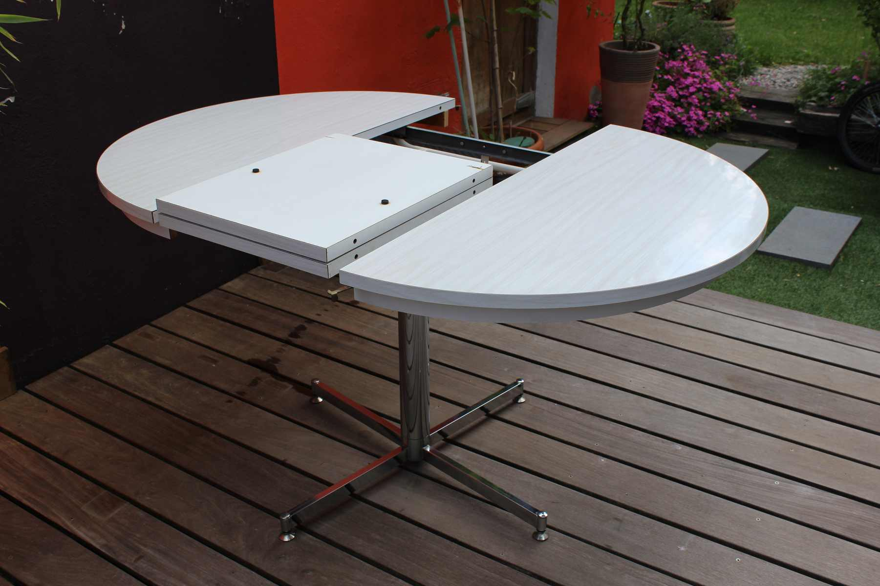 Table formica en version ronde ou ovale vintage by fabichka - Table basse ronde ou ovale ...