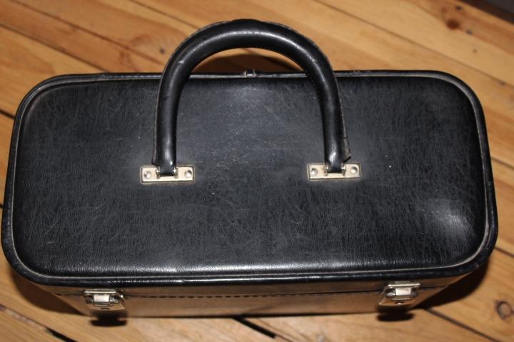 vanity en cuir noir vintage by fabichka
