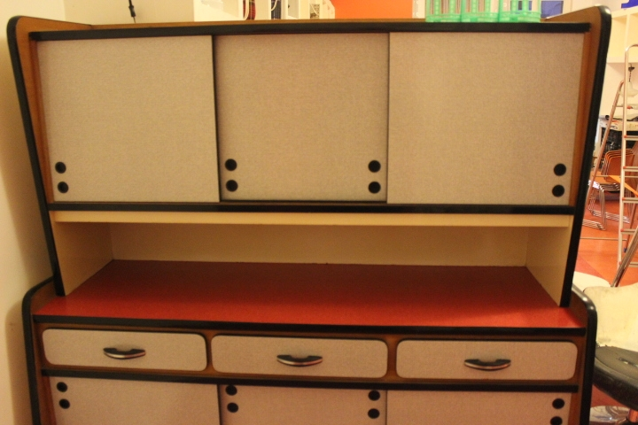 Buffet formica 1950 vintage by fabichka for Buffet cuisine 1950