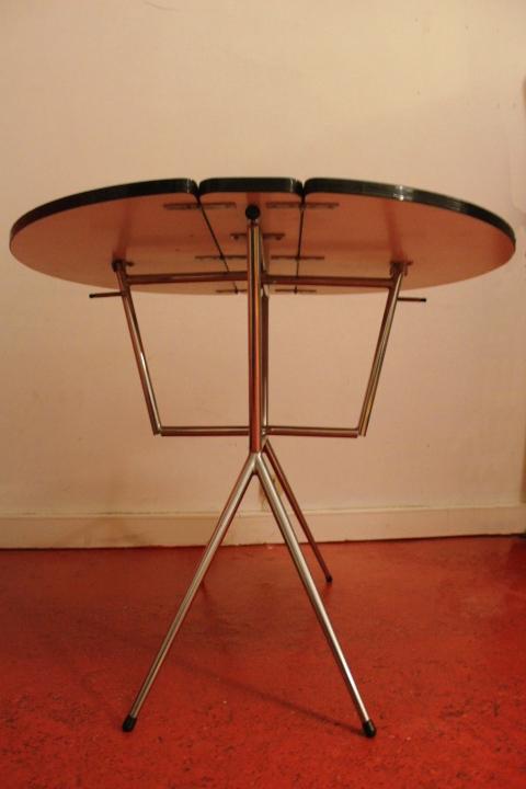table formica pliante so vintage vintage by fabichka. Black Bedroom Furniture Sets. Home Design Ideas