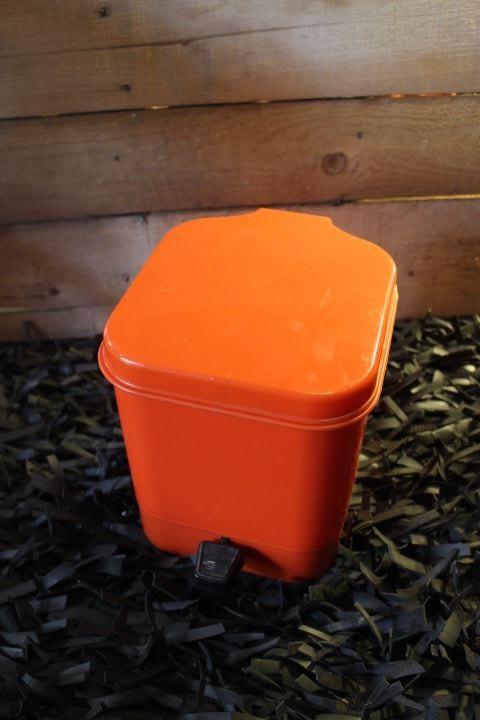 poubelle salle de bain orange gilac vintage poubelles de toilettes vintage - Poubelle Salle De Bain Orange